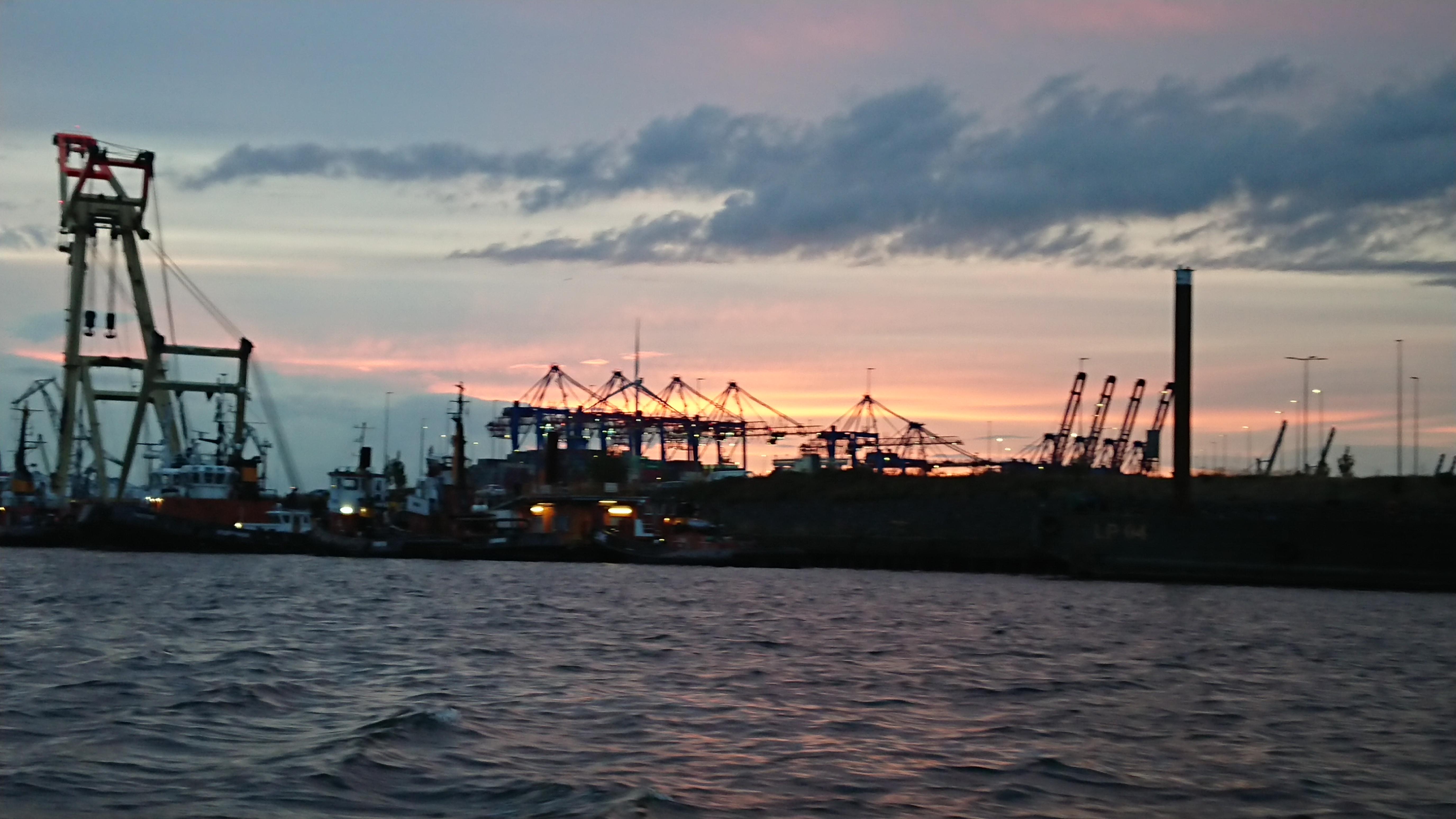 Drama Hafenkräne